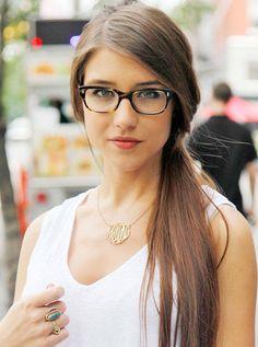 http://theyuppiefiles.com/wp-content/uploads/2014/02/Girls-in-Glasses2.jpg