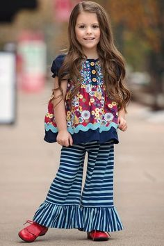 Belle pants have always been a Persnickety must have. They so soft and comfortable with a wide leg and ruffle bottom adding a twist to all pairing pieces especially this season pairing Lou Lou top. Wi