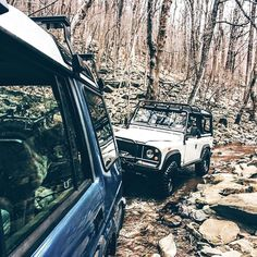 """Helping out with a little trail maintenance this past weekend for the upcoming ROAV """"Rovers At Wintergreen"""" event. #seriesdefender #seriesdefenderoutfitters #sdo #landrover #rover #defender #landroverdefender #defender90 #d90 #roav #wintergreenresort by seriesdefender Helping out with a little trail maintenance this past weekend for the upcoming ROAV """"Rovers At Wintergreen"""" event. #seriesdefender #seriesdefenderoutfitters #sdo #landrover #rover #defender #landroverdefender #defender90 #d90…"""