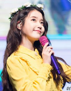 IU Transforms Into A Disney Princess For Her Anniversary Fanmeeting Korean Actresses, Korean Actors, Kpop Girl Groups, Kpop Girls, Korean Girl, Asian Girl, 10 Anniversary, Korean Artist, Queen