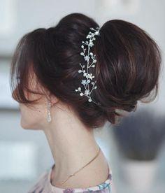 Featured Hairstyle: tonyastylist (Tonya Pushkareva) www.instagram.com/tonyastylis; Wedding hairstyle idea.
