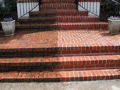 Пример тротуарной плитки до и после чистки