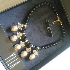 Recebendo carinho das nossas clientes mais lindas !!! { Colar Saint- Tropez } #yllaconcept #entregacolarsainttropez