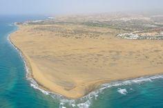 Dunas de Maspalomas Island Design, Beach Bars, Canario, Island Beach, Canary Islands, Sandy Beaches, Tenerife, Best Hotels, Cool Photos