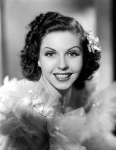 Great dancer, Ann Miller so multi-talented. Hooray For Hollywood, Hollywood Icons, Hollywood Actor, Golden Age Of Hollywood, Vintage Hollywood, Hollywood Glamour, Hollywood Stars, Hollywood Actresses, Classic Hollywood