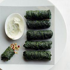 Couve recheada com triguilho e tabule com dip de iogurte e limão | 19 legumes deliciosamente recheados