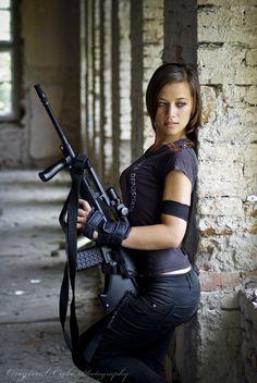 N Girls, Girls In Love, Self Defense Women, Tumbrl Girls, Motorbike Girl, Military Girl, Warrior Girl, Military Women, Armada