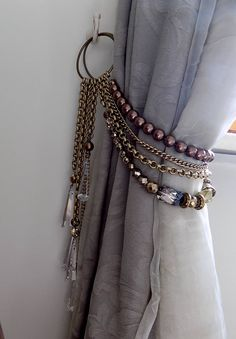 SET OF 2 Swarovski tiebacks, bronze and brown pearls drapery holders Bohemian faceted crystals decorative curtain tieback Curtain Tie Backs Diy, Curtain Ties, Cortina Boho, Rideaux Shabby Chic, Drapery Holdbacks, Ramadan Decoration, Curtain Holder, Luxury Duvet Covers, Luxury Bedding