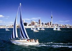 Auckland city travel guide – take a break with a combination of urban style, Polynesian culture and on-the-edge activities. Book an Auckland hotel to discover New Zealand's alternative capital. Oh The Places You'll Go, Places To Travel, Places To Visit, Dream Vacations, Vacation Spots, Vacation Packages, Cheap Weekend Getaways, Auckland New Zealand, Travel Deals