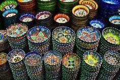 Clásica Cerámica Turca En El Mercado Fotos, Retratos, Imágenes Y Fotografía De Archivo Libres De Derecho. Image 5066676.