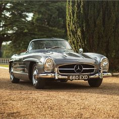 Mercedes-Benz 300 SL Roadster.
