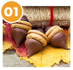 Thanksgiving Acorn Cookies | Thanksgiving Recipes | Children's Activities | Elf on the Shelf Blog