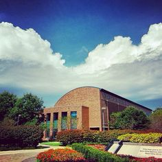 Drake Law Library by Julia Pusillo, first-year student (1L) at Drake Law School. #DrakePOTD