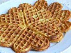 Úžasné vafle Sweet Recipes, Cake Recipes, Czech Recipes, Waffles, Brunch, Food And Drink, Menu, Sweets, Bread