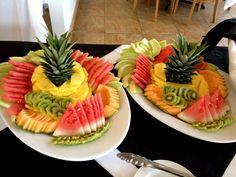 Expectaculares frutas al plato. Centro de Eventos Puente Verde.