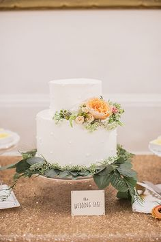simple little wedding cake | Melissa Schollaert