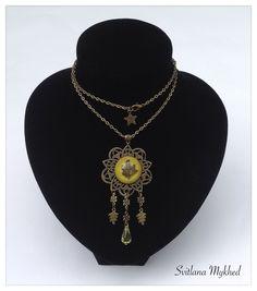 """Longue Collier """"Feuille d`Erable. Foret. Nature. Bio"""" (Resine Crystal Epoxy) . Métal bronzé . : Collier par perles-et-couronnes"""