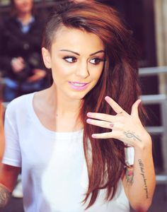 Cher Lloyd. I really, reallllllly love this hairstyle on her. omg...