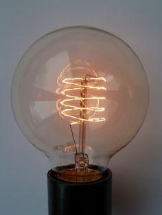 Small Globe | Loop Filament lightbulb | 40W & 60W | Historic Lighting