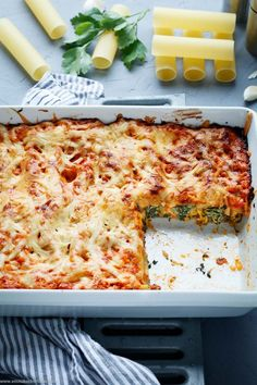 Cannelloni with herb cream cheese and spinach filling The simple, vegetarian . - Cannelloni with herb cream cheese and spinach filling The simple, vegetarian recipe. Cannelloni are - Meatloaf Recipes, Pizza Recipes, Veggie Recipes, Asian Recipes, Vegetarian Recipes, Dinner Recipes, Cooking Recipes, Healthy Recipes, Cooking Fish