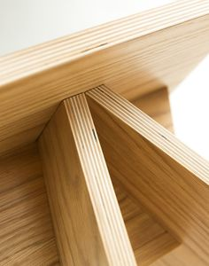 ERIZO  taburete de madera desmontable