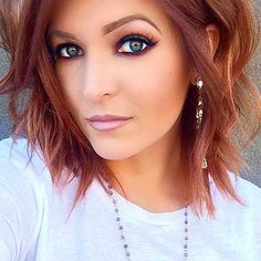 Latest Layered Haircut Pics for Alluring Styles Short Layered Haircuts 2017 - 17 Cute Bob Haircuts, Short Layered Haircuts, Medium Layered Bobs, Short Length Haircuts, Red Bob Haircut, Layered Hairstyles, Layered Cuts, Short Hair With Layers, Short Hair Cuts