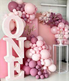 Simple Birthday Decorations, Ballon Decorations, 1st Birthday Balloons, 1st Birthday Parties, Custom Balloons, 1st Birthdays, Balloon Garland, Event Decor, Garlands