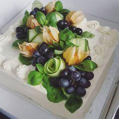 #voileipäkakku #kanavoileipäkakku Savoury Baking, Savoury Cake, Tapas, Sandwich Torte, Deco Fruit, Vegan Cafe, Salty Foods, Food Garnishes, Edible Food