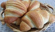 Light weight watchers croissants, an easy and simple recipe to make … - Recipes Easy & Healthy Ww Recipes, Easy Healthy Recipes, Sweet Recipes, Easy Meals, Ww Desserts, Cheesecake Desserts, Light Desserts, Croissants, Best Pasta Sauce Recipe