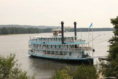 The beautiful, Victorian-style Riverboat Twilight gives guests a unique cruise experience on the Mississippi River. During the cruise, guests will have a chance to enjoy the natural scenery of the area, including the abundant wildlife, while seeing plenty of historic sites along the way.