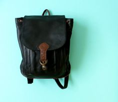 Clarissa Explains this Backpack // Black and by KittenSurprise