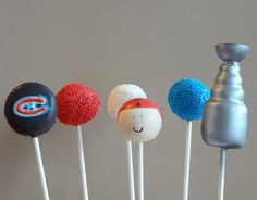 I need to figure out this Stanley Cup cake pop! The Baking Dreamer: Hockey Cakepops Hockey Birthday Cake, Hockey Party, Boy Birthday, Birthday Parties, Birthday Ideas, Hockey Mom, Ice Hockey, Hockey Goalie, Hockey Stuff
