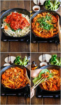 Dak Galbi (Korean Spicy Chicken Stir Fry) - My Korean Kitchen - chryssa-ideas-recipes K Food, Good Food, Asian Recipes, Healthy Recipes, Healthy Food, Easy Korean Recipes, Asian Desserts, Asian Foods, Korean Side Dishes