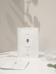 Minimalist packaging and bag design. Food Packaging Design, Packaging Design Inspiration, Branding Design, Layout Design, Web Design, Graphic Design, Cosmetic Design, Beauty Ad, Soap Packaging
