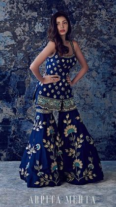 bridesmaids indian You are in the right place about Bridesmaid Outfit mismatched Here we offer you the most beautiful pictures about the Bridesmaid Outfit two piece you are looking for. Party Wear Indian Dresses, Indian Fashion Dresses, Desi Wedding Dresses, Designer Party Wear Dresses, Indian Bridal Outfits, Indian Gowns Dresses, Indian Bridal Fashion, Dress Indian Style, Pakistani Bridal Dresses