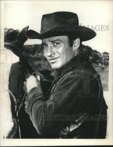 1962-Press-Photo-Actor-James-Drury-star-of-The-Virginian-nox19496