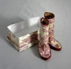 Toile Print Boots