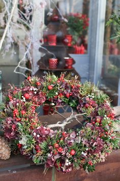 Florist Friday : Visiting Zita Elze's beautiful shop in Kew - Christmas 2015 - - Last Friday afternoon, I went to florist Zita Elze's beautiful shop in Kew. It's become a bit of a tradition for me over the last few years to visit in December. Christmas Door Wreaths, Christmas Flowers, Christmas Decorations, Holiday Decor, Deco Table, Beautiful Christmas, Flower Designs, Making Ideas, Flower Arrangements
