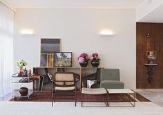 Conforto e praticidade. Veja: http://www.casadevalentina.com.br/projetos/detalhes/para-temporadas-na-cidade-621 #decor #decoracao #interior #design #casa #home #house #idea #ideia #detalhes #details #style #estilo #casadevalentina