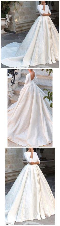 Backless Long Sleeve Ivory Wedding Dresses Modest 3/4 Sleeve Wedding Gowns M3951