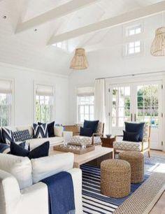 Inspiring coastal living room decor ideas (41)