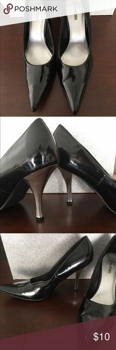 Black pointy toe pumps with Chrome heels 8.5 Black pointy toe pumps with Chrome heels 8.5 excellent condition Maurices Shoes Heels