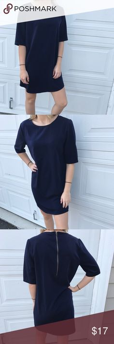 Forever 21 Dark Blue Dress Super cute dress! Perfect for any occasion! Would be great with a belt around the waste. Please feel free to ask questions and make an offer! Love this dress, just trying to declutter! Forever 21 Dresses Midi