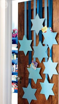 Festive Hanukkah decorating ideas for every room - http://centophobe.com/festive-hanukkah-decorating-ideas-for-every-room/ -