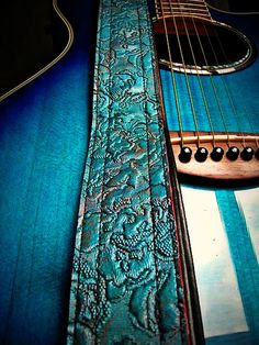 That is a beautiful guitar strap.