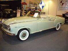 Borgward Isabella Cabriolet. Offiziell hat die Firma Deutsch in Köln nur 9 Isabella Cabriolets karossiert. In den Jahren 1957 - 1959 stand ein solches Modell mit DM 12.535,00 in den Borgward Preislisten. Techno Classica am 25.03.2012.