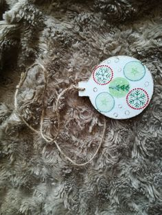 "Glob lemn ""Starts to snow"" Decoupage, Christmas Ornaments, Holiday Decor, Home Decor, Decoration Home, Room Decor, Christmas Jewelry, Christmas Decorations, Home Interior Design"