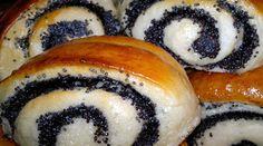 Fenséges bögrés mini mákos tekercs, puha, foszlós és nagyon ízletes!