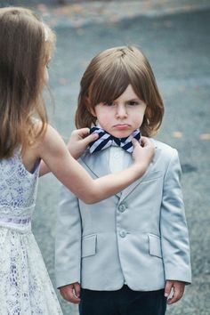 Real Wedding Moments That Will Make You Smile Best Man Wedding, Wedding With Kids, Wedding Pics, Perfect Wedding, Wedding Ideas, Photography Awards, Wedding Photography, Inspiring Photography, Girls Holding Hands
