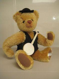 Teddy Bear Artist Sue Foskey – Golden Mohair Hartford Bear – Vintage 1987